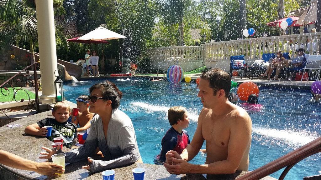 La Canada Swimming Pool Bar