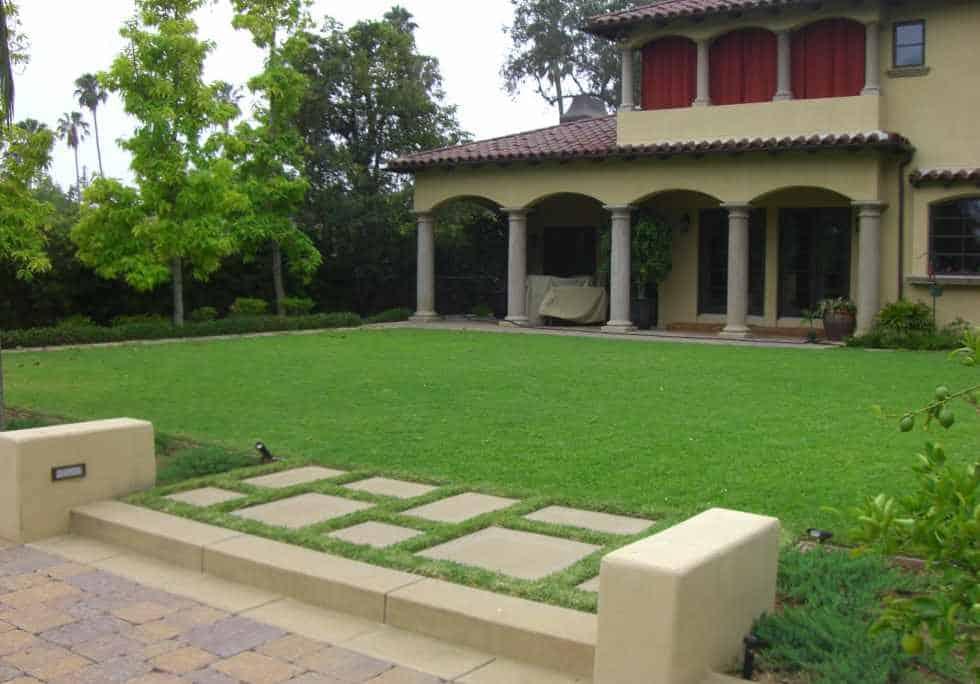 Landscape Maintenance award winning lawn