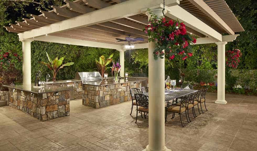 Outdoor BBQ and Dining under Pergola