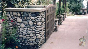 Craftsman Cobblestone Trash Enclosure
