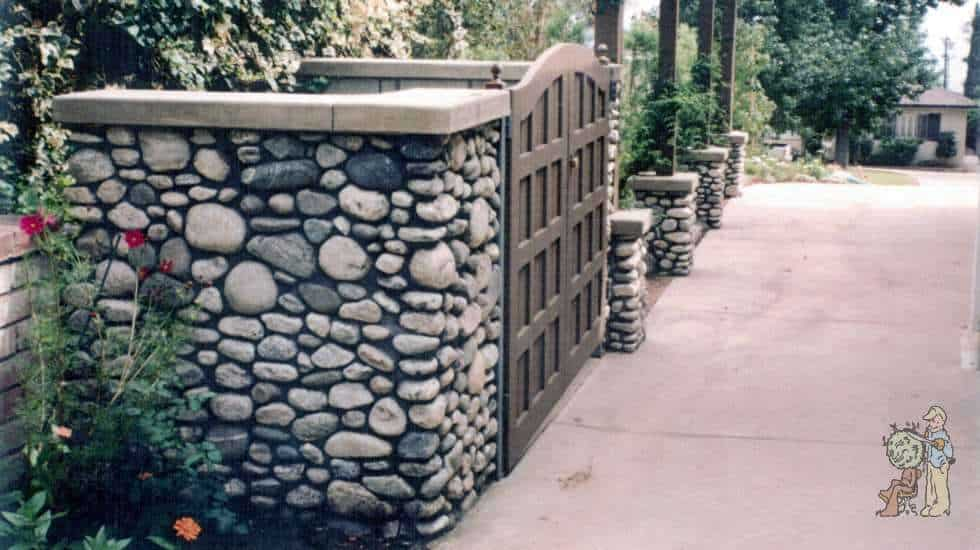trash enclosure made with cobblestone