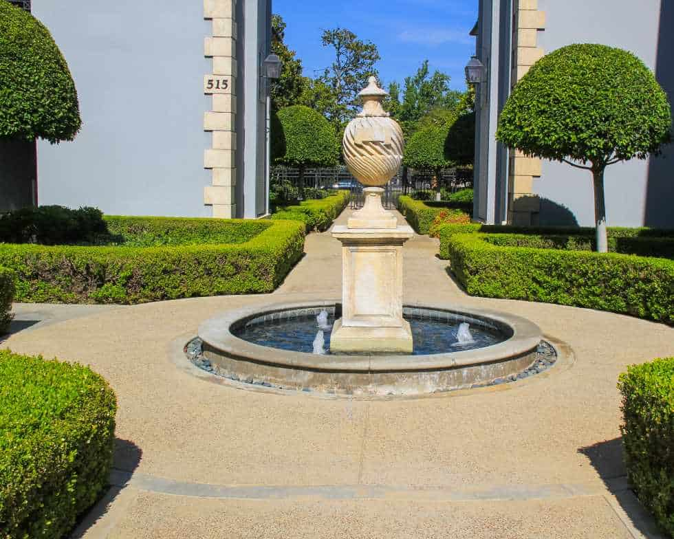Pasadena CA Homeowners association pathway and fountain