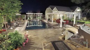 Outdoor kitchen and small-area swimming pool