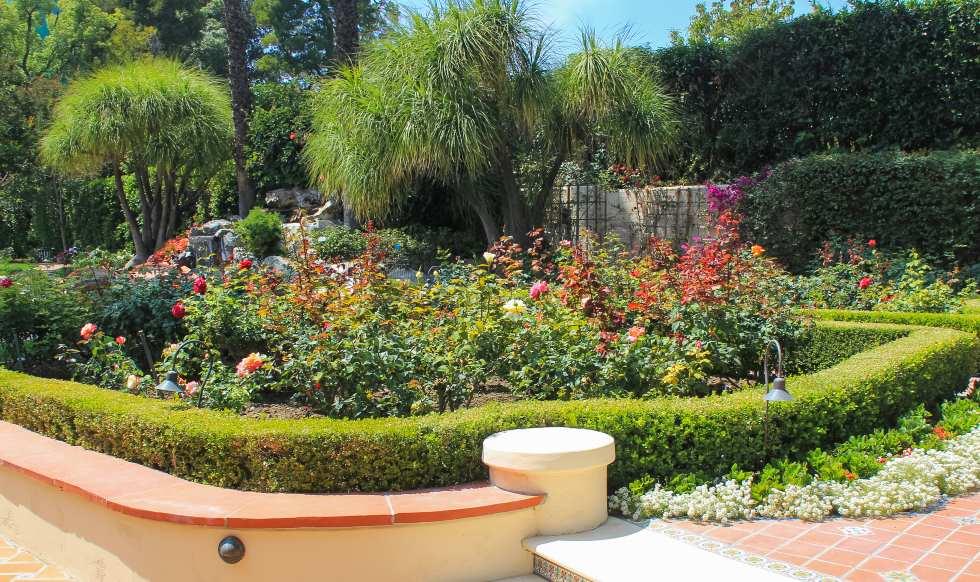 presidents-award-flower-garden
